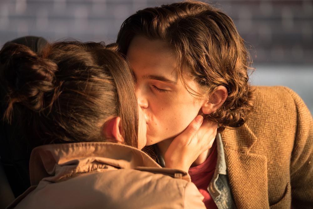 ティモシー・シャラメとセレーナ・ゴメスがホットなキス、『レイニーデイ・イン・ニューヨーク』本編映像